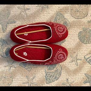 Ladies House Slippers with anti-slip bottom